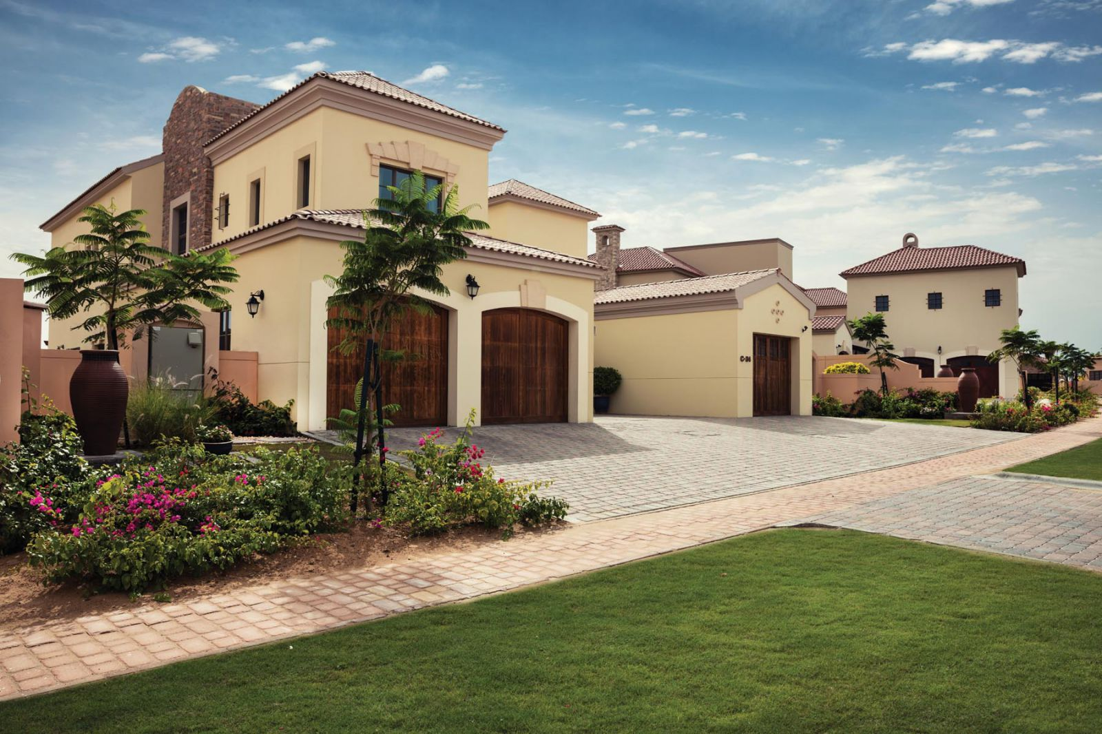 Redwood Avenue at Jumeirah Golf Estates